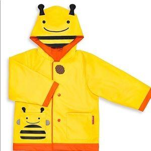 Skip hop zoo bee raincoat NWT 2T